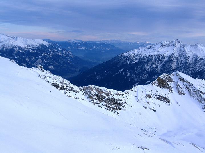 Foto: Andreas Koller / Ski Tour / Aus dem Astental auf den Stellkopf (2851 m) / Der Blick ins vordere Mölltal / 01.01.2010 21:28:57