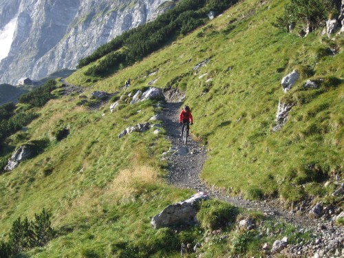 Foto: hofchri / Mountainbike Tour / Rund um das Sonnjoch über Lamsen- (1953 m) und Plumsjoch (1664 m) / super Trail - leider zu kurz / 01.01.2010 12:06:31