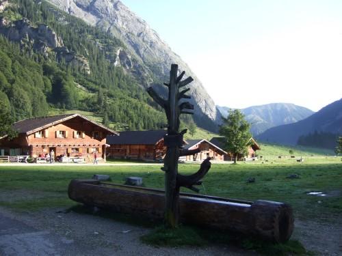 Foto: hofchri / Mountainbike Tour / Rund um das Sonnjoch über Lamsen- (1953 m) und Plumsjoch (1664 m) / die Engalm / 01.01.2010 12:08:58