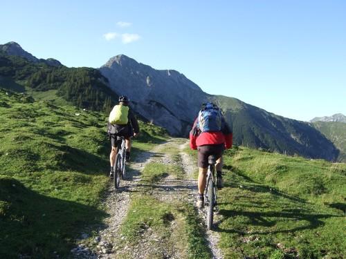 Foto: hofchri / Mountainbike Tour / Rund um das Sonnjoch über Lamsen- (1953 m) und Plumsjoch (1664 m) / 01.01.2010 12:10:41