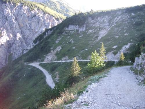 Foto: hofchri / Mountainbike Tour / Rund um das Sonnjoch über Lamsen- (1953 m) und Plumsjoch (1664 m) / schwerer, steiler Downhill / 01.01.2010 12:10:59