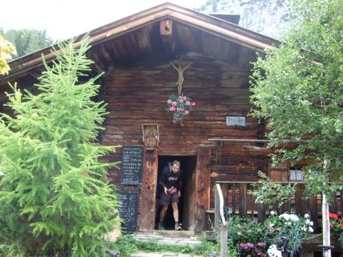 Foto: hofchri / Mountainbike Tour / Rund um das Sonnjoch über Lamsen- (1953 m) und Plumsjoch (1664 m) / bei der urigen Hütte der Stallenalm / 01.01.2010 12:03:40