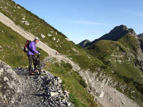 Foto: hofchri / Mountainbike Tour / Rund um das Sonnjoch über Lamsen- (1953 m) und Plumsjoch (1664 m) / 01.01.2010 12:05:54