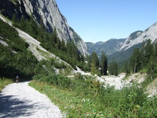 Foto: hofchri / Mountainbike Tour / Rund um den Laliderer Falk über Falkenhütte (1848 m) / 01.01.2010 12:01:11