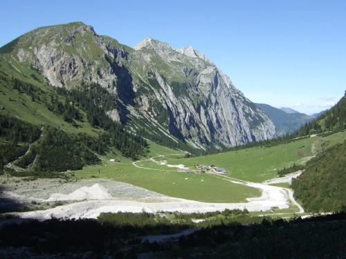 Foto: hofchri / Mountainbike Tour / Rund um den Laliderer Falk über Falkenhütte (1848 m) / Downhill zur Lalidereralm / 01.01.2010 12:01:01
