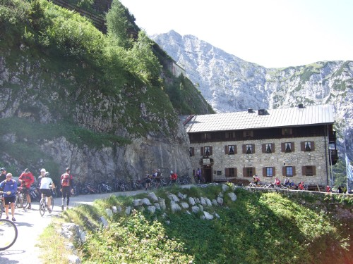 Foto: hofchri / Mountainbike Tour / Rund um die Karwendelspitzen über Hochalmsattel (1803 m) / beim Karwendelhaus / 01.01.2010 11:56:03