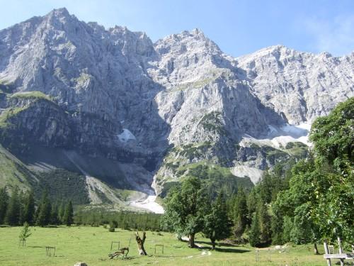 Foto: hofchri / Mountainbike Tour / Rund um die Karwendelspitzen über Hochalmsattel (1803 m) / Kleiner Ahornboden / 01.01.2010 11:57:05