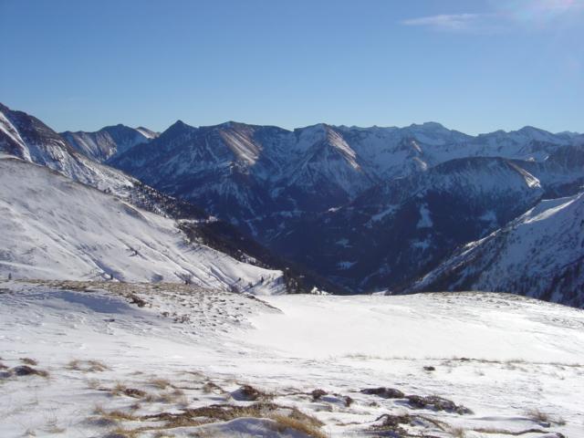 Foto: Manfred Karl / Ski Tour / Karkopf von der Muhreralm / Zederhauser Schiberge - abgeblasen wie so oft / 03.01.2010 17:28:40
