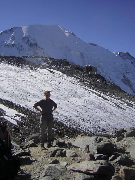 Foto: Wolfgang Lauschensky / Wander Tour / Mont Blanc 4808m Normalweg über Bossesgrat / Refuge de la Tete Rousse vor Aiguille de Bionnassay / 01.01.2010 21:09:39