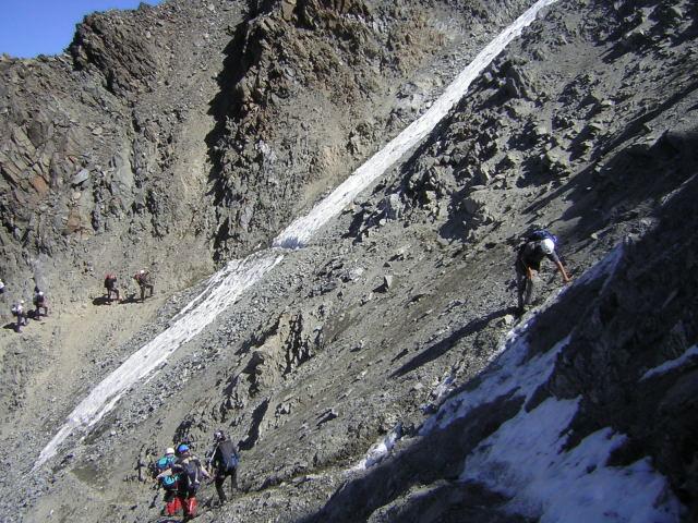 Foto: Wolfgang Lauschensky / Wander Tour / Mont Blanc 4808m Normalweg über Bossesgrat / Grande Couloir - die Schlüsselstelle / 01.01.2010 21:09:15