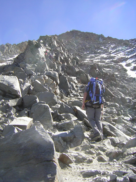Foto: Wolfgang Lauschensky / Wander Tour / Mont Blanc 4808m Normalweg über Bossesgrat / Anstieg zum Refuge du Gouter  / 01.01.2010 21:04:23