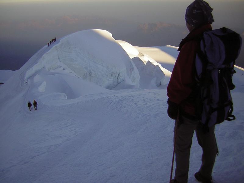 Foto: Wolfgang Lauschensky / Wander Tour / Mont Blanc 4808m Normalweg über Bossesgrat / erste Sonne am Bossesgrat / 01.01.2010 21:02:26