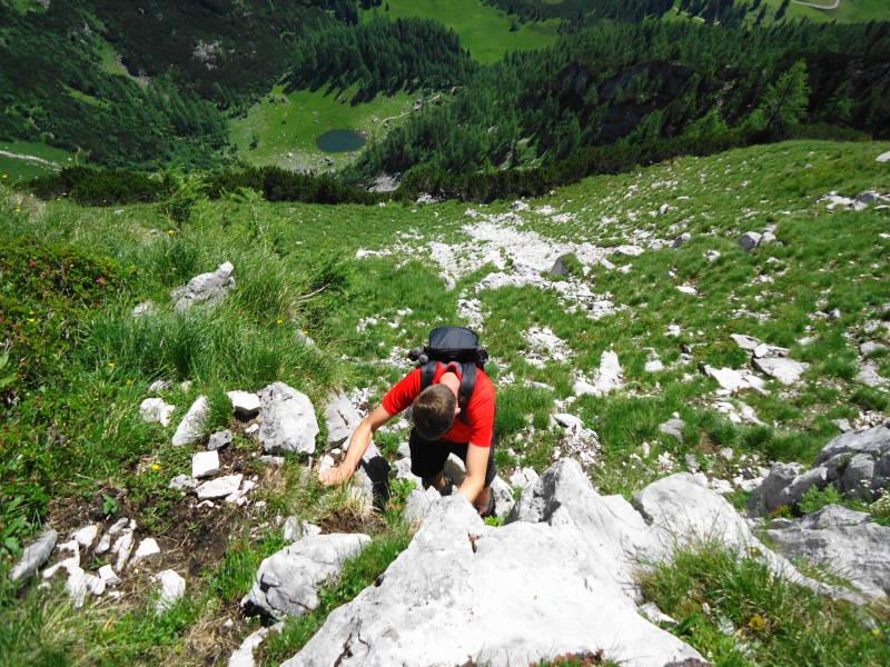 Foto: Günter Siegl / Wander Tour / Ramesch (2.119m) - Ost/West-Überschreitung / Tiefblick Brunnsteiner See / 28.07.2017 20:42:37