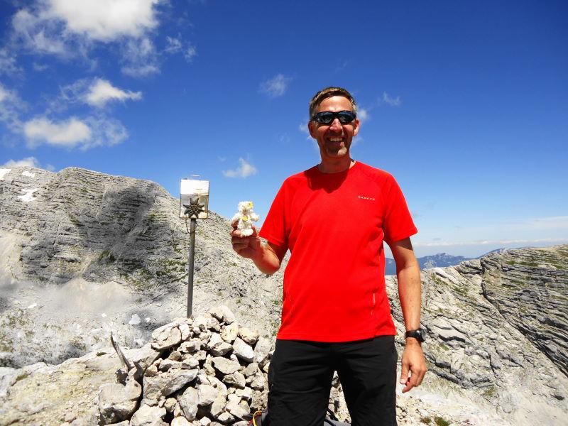 Foto: Günter Siegl / Wander Tour / Ramesch (2.119m) - Ost/West-Überschreitung / So sehen glückliche, so sehen sehr glückliche Bergsteiger aus. / 28.07.2017 20:37:15