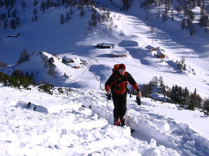 Foto: Andreas Koller / Ski Tour / Traumtour auf Spirzinger und Spazeck (2066 m) / Hoch über der Südwiener Hütte / 06.01.2010 02:12:45