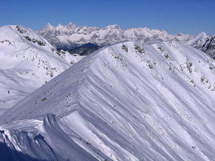 Foto: Andreas Koller / Ski Tour / Traumtour auf Spirzinger und Spazeck (2066 m) / Blick zum Spazeck, dahinter der Dachstein (2996 m) / 06.01.2010 02:11:09