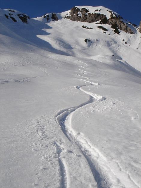 Foto: Manfred Karl / Ski Tour / Über die Hafeichtscharte auf den Großen Bärenstaffel / Abfahrt durch die ostseitige Karmulde / 07.01.2010 20:16:16