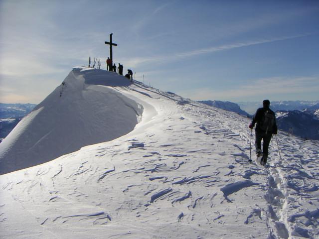 Foto: Wolfgang Lauschensky / Ski Tour / Hochgern 1743m / überwechteter Verbindungsgrat / 08.01.2010 16:35:01