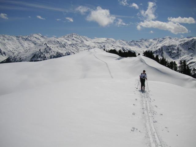 Foto: Wolfgang Lauschensky / Ski Tour / Gressenstein 2216m / am Kamm zur Breiteggspitze / 10.01.2010 12:23:00