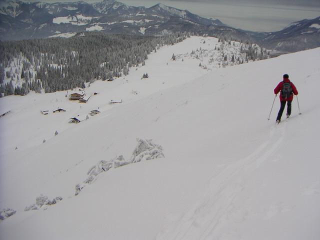 Foto: Wolfgang Lauschensky / Ski Tour / Fellhorn 1764m (von Seegatterl aus) / Straubingerhaus vom Fellhorn-NW-Hang / 10.01.2010 18:40:33