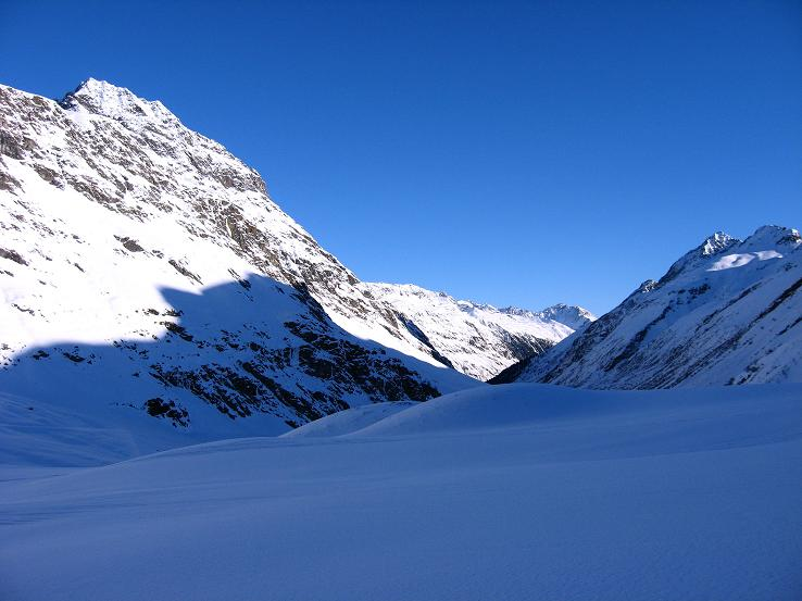 Foto: Andreas Koller / Skitour / Durch das Bieltal auf den Rauen Kopf (3101 m) / 26.01.2010 00:29:49
