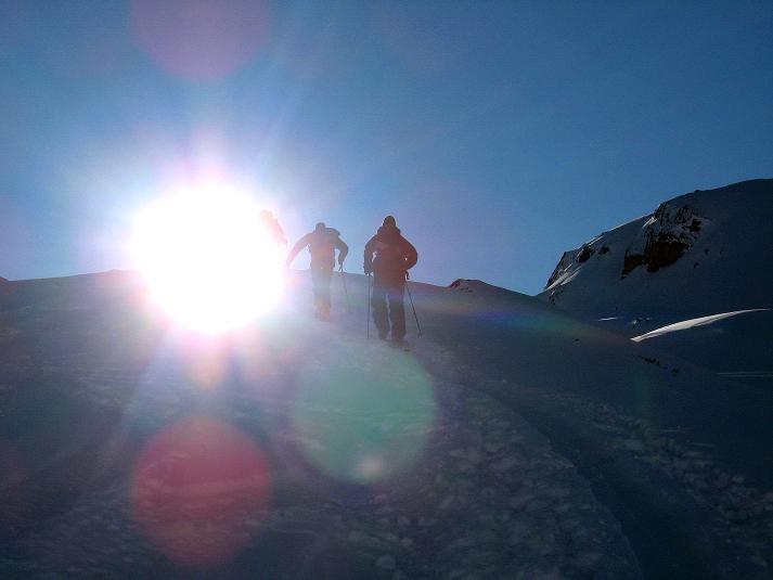Foto: Andreas Koller / Skitour / Durch das Bieltal auf den Rauen Kopf (3101 m) / Der lange Anstieg durch das Bieltal beginnt / 26.01.2010 00:29:41