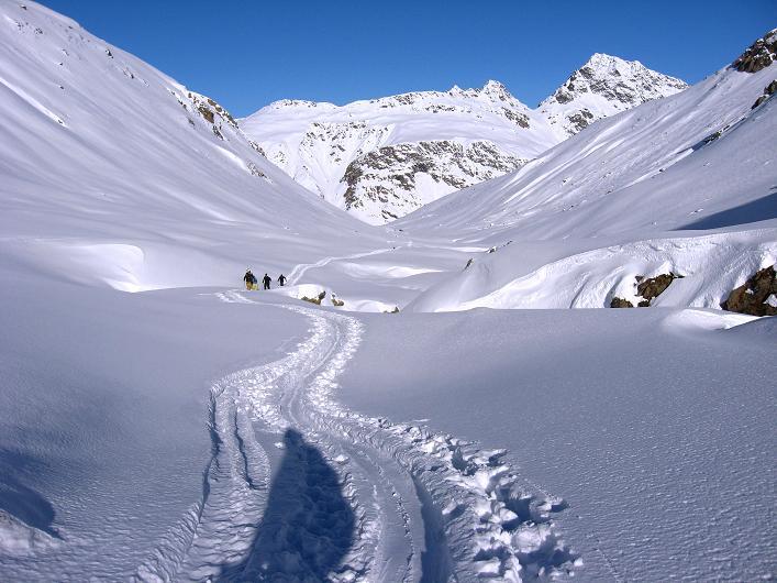 Foto: Andreas Koller / Skitour / Durch das Bieltal auf den Rauen Kopf (3101 m) / 26.01.2010 00:28:35