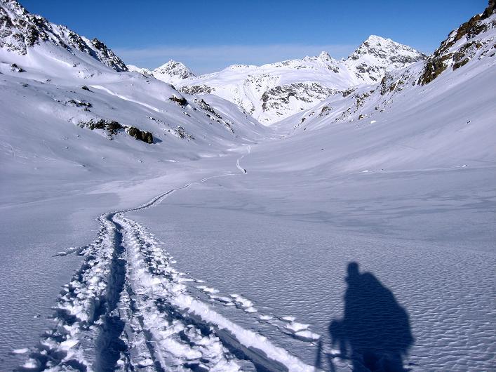 Foto: Andreas Koller / Skitour / Durch das Bieltal auf den Rauen Kopf (3101 m) / 26.01.2010 00:26:44
