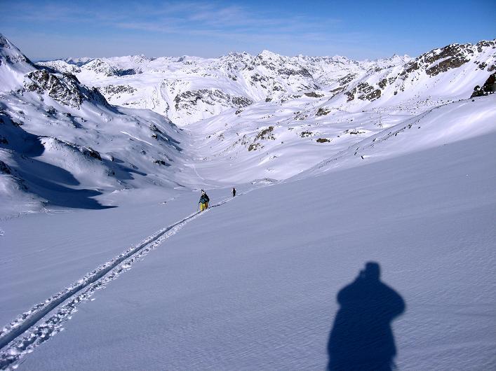 Foto: Andreas Koller / Skitour / Durch das Bieltal auf den Rauen Kopf (3101 m) / 26.01.2010 00:23:34