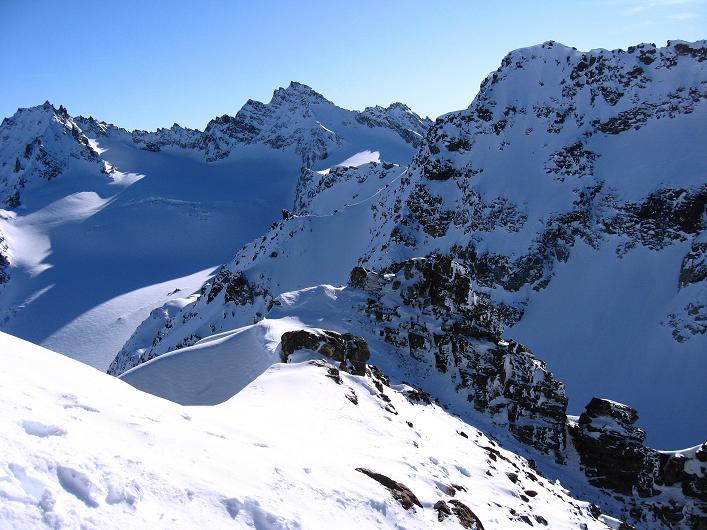 Foto: Andreas Koller / Skitour / Durch das Bieltal auf den Rauen Kopf (3101 m) / 26.01.2010 00:16:56