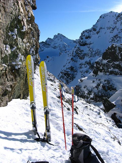 Foto: Andreas Koller / Skitour / Durch das Bieltal auf den Rauen Kopf (3101 m) / Zurück in der Rau-Kopf-Scharte / 26.01.2010 00:15:28