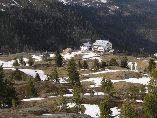 Foto: Wolfgang Lauschensky / Skitour / Zufallspitze – Monte Cevedale : Überschreitung / Zufallhütte im Frühling / 29.01.2010 18:06:46
