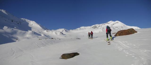 Foto: Wolfgang Lauschensky / Skitour / Zufallspitze – Monte Cevedale : Überschreitung / das Plateau vor dem Furkeleferner - rechts die Zufallspitze / 29.01.2010 18:05:49