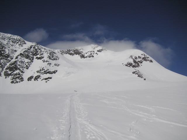 Foto: Wolfgang Lauschensky / Skitour / Zufallspitze – Monte Cevedale : Überschreitung / am Furkeleferner - links oben der Ausstieg zum SO-Grat / 29.01.2010 18:05:31