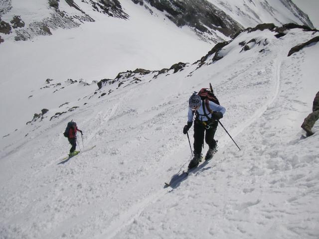 Foto: Wolfgang Lauschensky / Skitour / Zufallspitze – Monte Cevedale : Überschreitung / steiler Anstieg in die Gratscharte / 29.01.2010 18:05:12