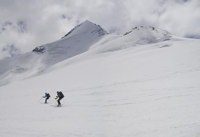 Foto: Wolfgang Lauschensky / Skitour / Zufallspitze – Monte Cevedale : Überschreitung / die Umfahrung der Nordwand der Zufallspitze am Zufallferner / 29.01.2010 18:02:41