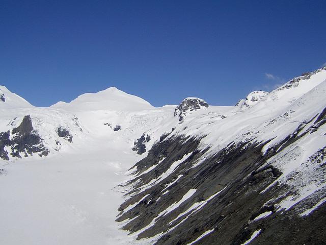 Foto: Wolfgang Lauschensky / Skitour / Johannisberg (3453m) und Hohe Riffl (3338m) / Johannisberg über der Pasterze / 28.03.2010 17:30:05