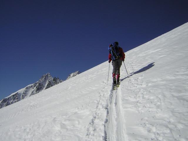 Foto: Wolfgang Lauschensky / Skitour / Johannisberg (3453m) und Hohe Riffl (3338m) / Ostrückenanstieg mit Glocknerblick / 28.03.2010 17:28:47