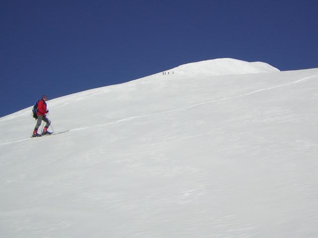 Foto: Wolfgang Lauschensky / Skitour / Johannisberg (3453m) und Hohe Riffl (3338m) / mittelsteile Ostflanke / 28.03.2010 17:28:37
