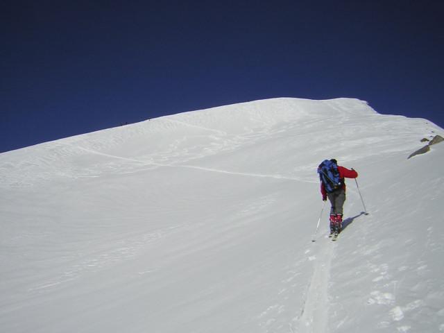 Foto: Wolfgang Lauschensky / Skitour / Johannisberg (3453m) und Hohe Riffl (3338m) / die letzten steileren Meter vor dem Gipfel des Johannisberges / 28.03.2010 17:28:15
