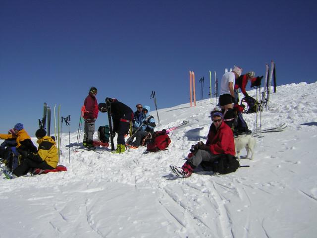 Foto: Wolfgang Lauschensky / Skitour / Johannisberg (3453m) und Hohe Riffl (3338m) / ungeschmückter Johannisberggipfel / 28.03.2010 17:27:53