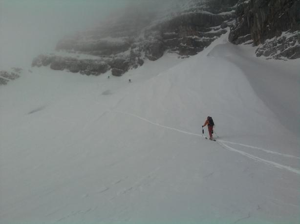 Foto: winsch / Ski Tour / Hoher Dachstein - Dachsteingletscherüberquerung bis Obertraun / Anstieg zur Randkluft des Hohen Dachsteins / 31.03.2010 14:05:30