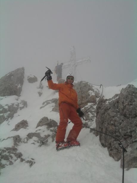 Foto: winsch / Ski Tour / Hoher Dachstein - Dachsteingletscherüberquerung bis Obertraun / Dachsteingipfel im Nebel / 31.03.2010 14:06:01