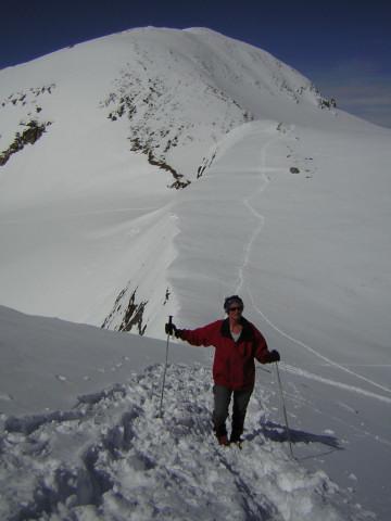 Foto: Wolfgang Lauschensky / Skitour / Mittlerer und Großer Bärenkopf (3358m+3396m) / Anstieg zum Westgipfel, dahinter der Mittlere Bärenkopf / 07.05.2010 15:51:37