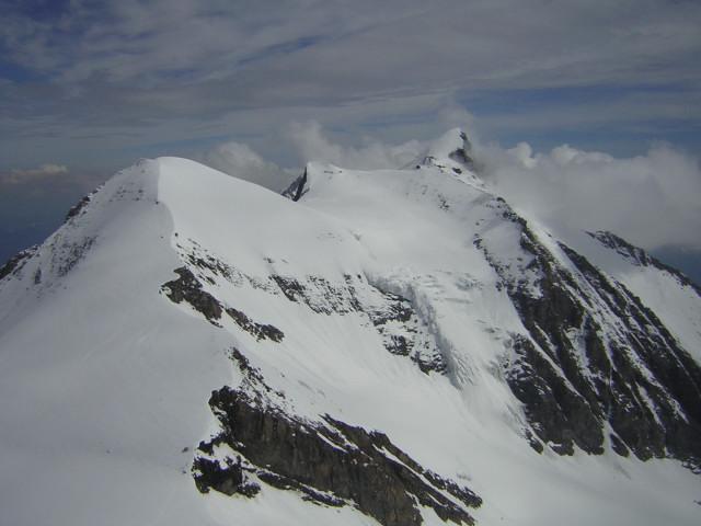 Foto: Wolfgang Lauschensky / Skitour / Mittlerer und Großer Bärenkopf (3358m+3396m) / Glockerin, Bratschenkopf und Wiesbachhorn / 07.05.2010 15:51:04