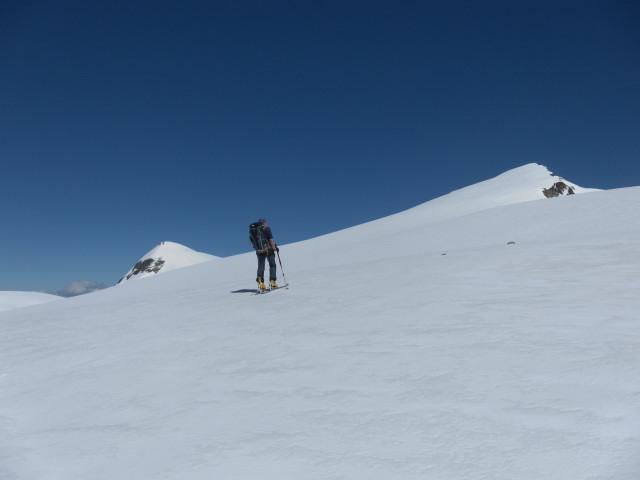 Foto: Wolfgang Lauschensky / Skitour / Mittlerer und Großer Bärenkopf (3358m+3396m) / am Südrücken  / 27.05.2014 21:39:23