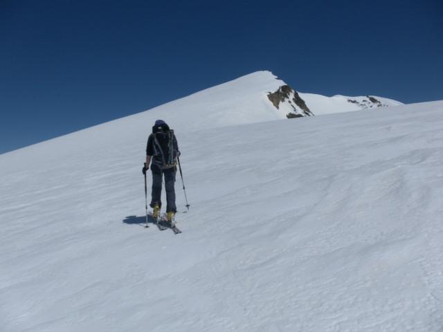 Foto: Wolfgang Lauschensky / Skitour / Mittlerer und Großer Bärenkopf (3358m+3396m) / Süd- und Hauptgipfel des Mittleren Bärenkopfes / 27.05.2014 21:39:16