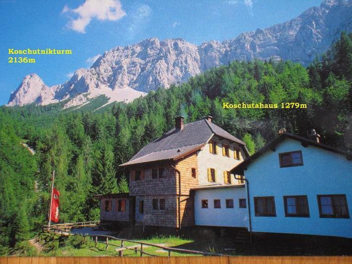 Foto: Andreas Koller / Klettersteigtour / ÖTK-Klettersteig Koschutnikturm neu und alt (2136 m) / Ausgangspunkt Koschutahaus / 16.05.2010 00:41:14
