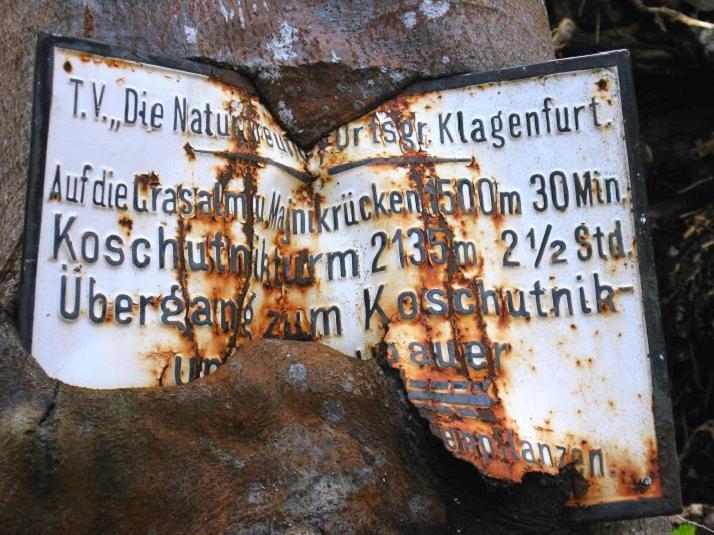Foto: Andreas Koller / Klettersteigtour / ÖTK-Klettersteig Koschutnikturm neu und alt (2136 m) / 16.05.2010 00:40:10