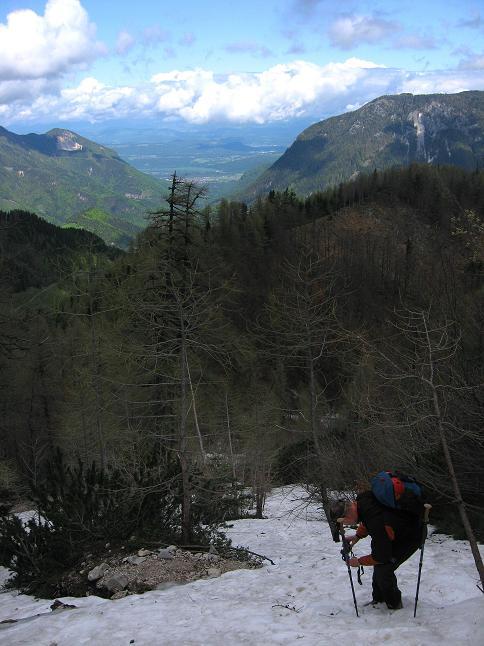 Foto: Andreas Koller / Klettersteigtour / ÖTK-Klettersteig Koschutnikturm neu und alt (2136 m) / 16.05.2010 00:39:26
